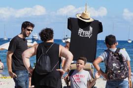 PROU! organiza 'Sa Truitada' en Talamanca para evitar la privatización de las playas de Ibiza