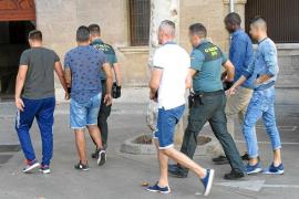 La banda detenida en la última redada de Punta Ballena apaleaba a turistas para robarles