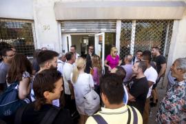 Los trabajadores de Eulen deciden mantener la huelga en el aeropuerto de El Prat