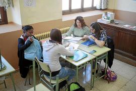 Educació no reducirá a 18 horas semanales las clases de los profesores de Secundaria