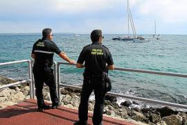 Rescatan un gran catamarán a punto de quedarse a la deriva en Palma