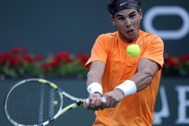 Nadal mantiene su defensa en el doble