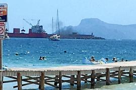 Salvem el Moll denuncia ante las autoridades la descarga de carbón en el Port de Alcúdia