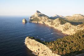 La Cofradía de Pescadores de Alcúdia denuncia malas prácticas de un arrastrero detrás del cabo de Formentor