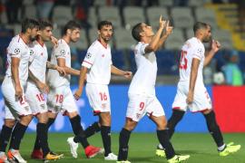 El Sevilla gana 1-2 en Estambul y pone pie y medio en la fase de grupos de la Champions