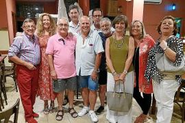 Reunión para celebrar cuarenta años de amistad