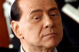 Berlusconi: «33 chicas me parecen demasiadas incluso para un treintañero»