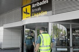 Un turista agrede a varios guardias civiles y vigilantes en Son Sant Joan