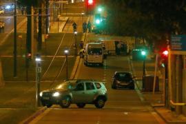 El huido de un control no fue abatido por los Mossos y se investiga su relación con el atentado