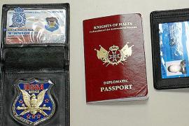 Detenido en Andratx un suizo que llevaba una identificación falsa de diplomático de Malta