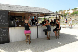 Coco Beach, un local inmerso en la arena y frente al mar