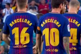 El Barça y el Betis, hermanados en el recuerdo a las víctimas del atentado