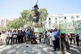 Un centenar de musulmanes condenan en Ibiza los atentados de Cataluña