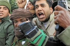 Gadafi entrará en Bengasi «arropado por el pueblo como lo hizo Franco en Madrid»