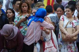 La comunidad musulmana se manifiesta para condenar la barbarie del terrorismo