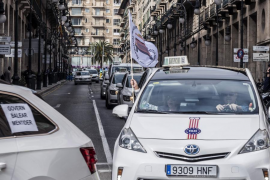 Los taxistas se manifestarán el 13 de septiembre para reclamar el servicio 24 horas