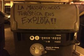 Arran 'agita' las calles de Palma con nuevas pintadas contra la masificación turística
