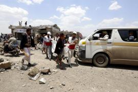 Al menos 43 personas mueren en un bombardeo árabe en Yemen