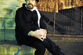 Pau Faner: «Quiero que la gente lea mi novela y no sea un castigo»