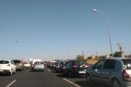 Una colisión en cadena provoca colas kilométricas en la autopista