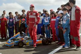 Alonso cree que Ferrari está al «cien por cien» ante el inicio de temporada