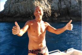 El manacorí Joan Aguiló completa a nado en 12 horas la ruta que separa Menorca de Mallorca