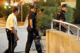 Piden 26 años de cárcel a cuatro jóvenes por dar una paliza a un policía en Palma