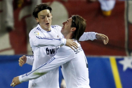 La pegada del Real Madrid y Casillas solucionan el derbi en media hora
