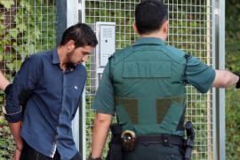 El detenido Aallaa regresa a Ripoll en un taxi que le fió la carrera