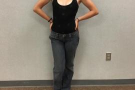 Desata la polémica al ser amonestada por ir al instituto sin sujetador