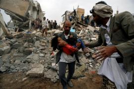Un ataque aéreo en la capital de Yemen deja 12 muertos, la mitad niños