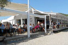 Bar Playa, en la Costa dels Pins, el chiringuito de moda