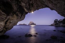 Una espectacular fotografía de Cala d'Hort tomada por Pedro Gomila.
