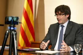 Puigdemont considera «absolutamente indispensable» que el futuro Estado catalán tenga ejército
