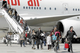 Los repatriados de Japón por el Gobierno español no están contaminados por radiación