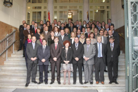 El Parlament aprueba la ley del buen gobierno y rechaza la de igualdad en el cierre de legislatura