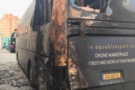Un detenido como supuesto autor del incendio del autobús de un equipo ciclista que participa en La Vuelta