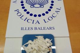Detenido un hombre en Binissalem que escondía bajo el asiento de su coche 48 papelinas de cocaína