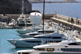 UGT pide que los barcos privados también paguen el impuesto turístico