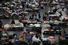 'Harvey' deja Houston anegado por aguas tóxicas y los hospitales se preparan para un aumento de enfermos