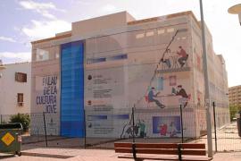 Delgado lanza una campaña en la que 'vende' como suyas las inversiones del Plan E