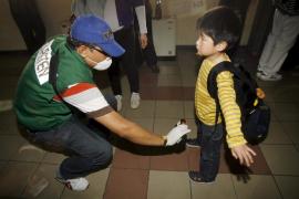 El gobierno de Tokio pide no administrar agua del grifo a bebés
