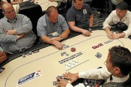 Año y medio de cárcel por ocultar a Hacienda medio millón que ganó al póquer