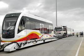 El Parlament apoya que el tram-tren no circule en superficie