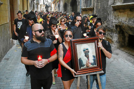 Vecinos de Canamunt y Canavall rememoran el 'Enterro d'en Berga'