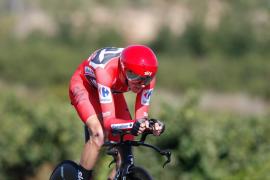 Froome gana la 'crono' en el pulso con Kelderman y apunta al doblete Tour-Vuelta