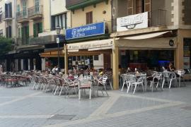 El Ajuntament de Inca prohíbe el mobiliario de plástico en terrazas de bares y restaurantes