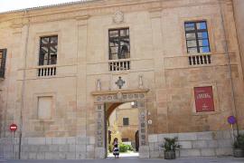 El Obispado suspende a un sacerdote por «conducta irregular en el pasado»