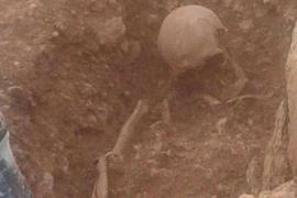 Hallan dos esqueletos de época tardorromana–bizantina en Cala Martina