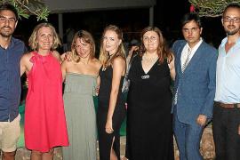 El abogado y rotario Bernardo Feliu organiza una fiesta para Olivia Vega, en su 60 aniversario